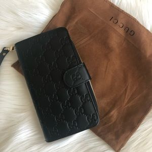 Authentic Gucci wristlet phone case and wallet